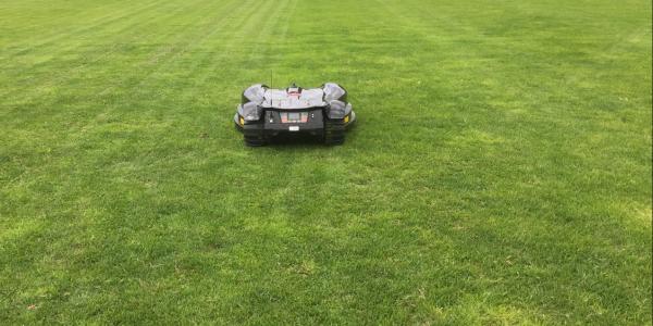 Projekt med robotgräsklippare